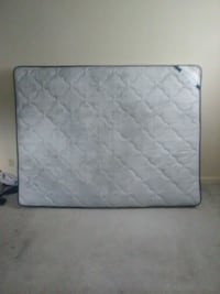 Lightly used Queen size mattress Peoria, 61604