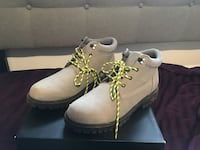 Urban outfitters boots men Toronto, M1E 4Z9