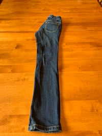 Kids size 8 skinny jeans Calgary, T3L 3A3