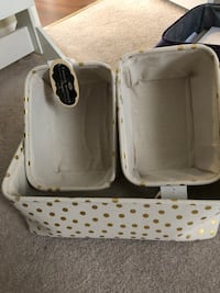 white and gray pet carrier London, N6A 1C1