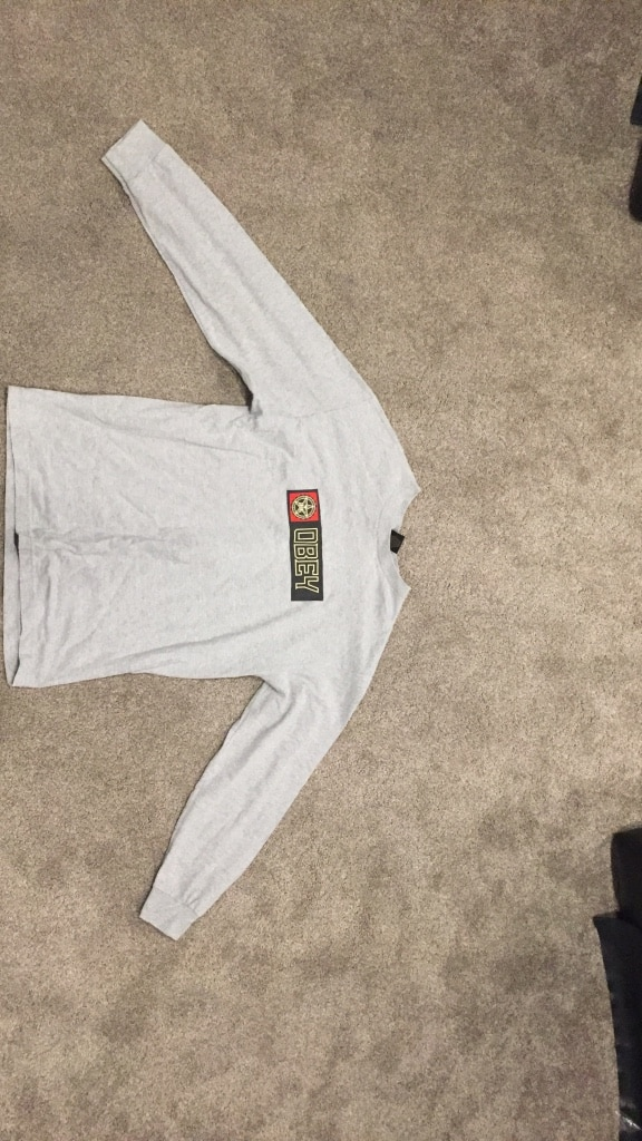 Obey long sleeve size M