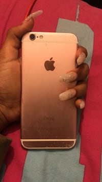 Cracked iPhone 6s rose gold Baltimore, 21217