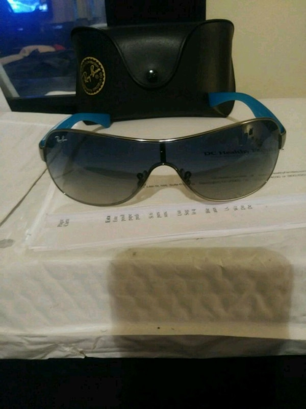 Ray bans with case