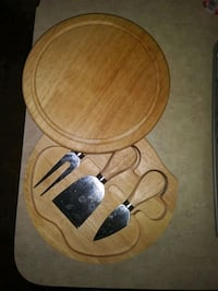 Cheese cutter and cutting board
