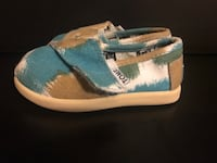 TOMS! Pair of blue-and-white slip on shoes Houston, 77079