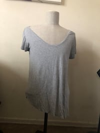 gray scoop-neck shirt