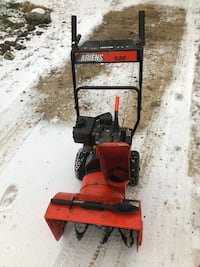 Ariens 520 self propelled two stagesnowblower Neosho, 53059