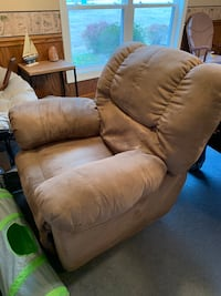 Sofa and Recliner Combo