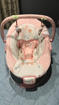Baby girl bouncer. Used once St Catharines, L2R