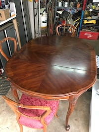 Vintage Dining Table w/ 4 Queen Anne Chairs Pasadena, 91101