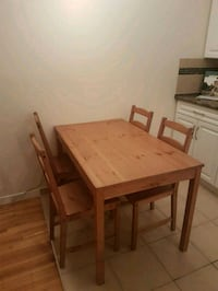 Dining table and chairs  Vancouver, V6B 5Z3