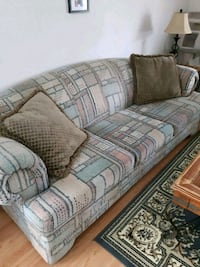 Nice Clean Couch $60 Orillia