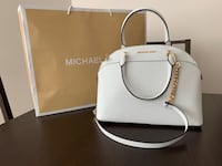 Michael Kors white bag Burnaby, V5H 3G4