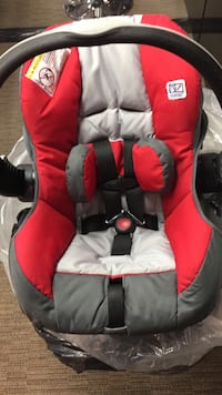 Baby car seat with base  Toronto, M1T 3L3