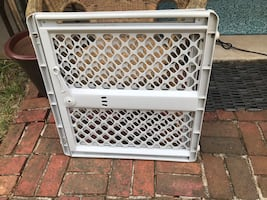 BABY GATE (GRAY) VERY GOOD CONDITION !!