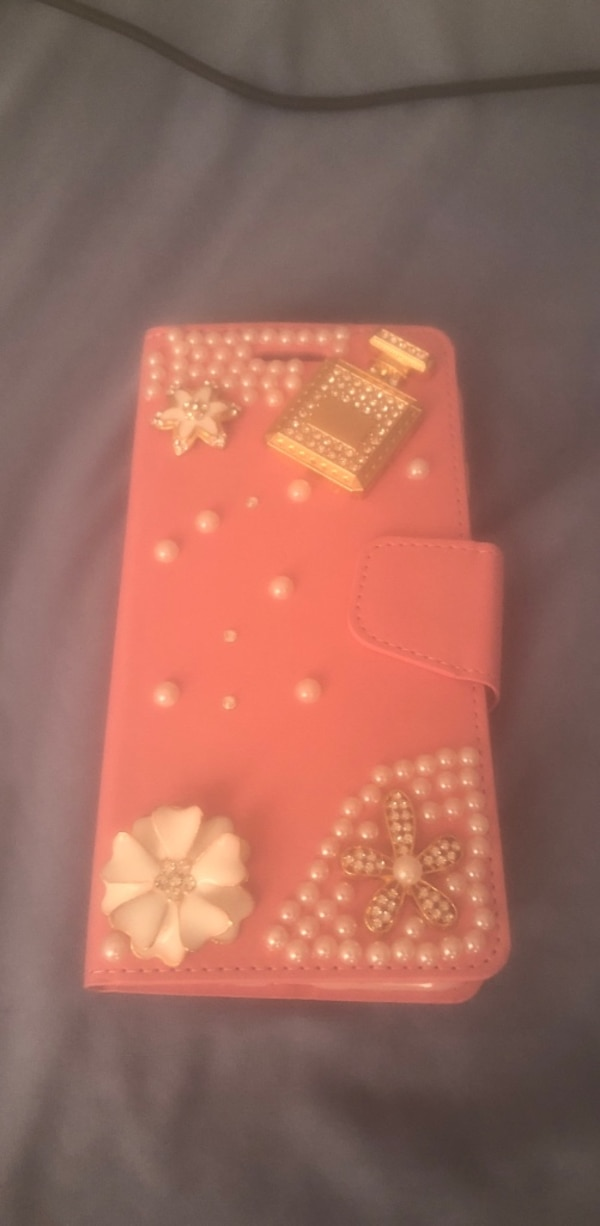 IPHONE 7 plus pink wallet/case New