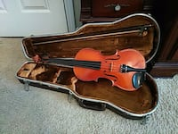 brown violin with bow in case Decatur, 30030