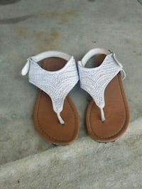 pair of brown-and-white sandals Lancaster, 93535