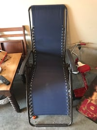 2 gravity chairs navy blue North Dumfries, N0B
