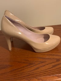Vince Camutto heels