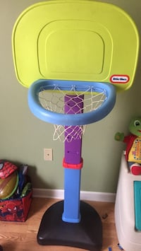 Yellow and blue little tikes basketball hoop Conway, 72034
