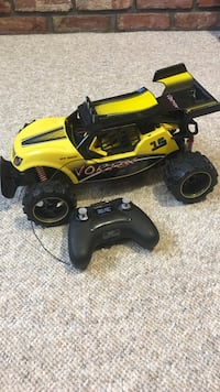 black and yellow remote controlled truck toy 13 km