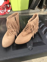Tan fringed ankle boots, inside zipper, size 12 Anchorage, 99516