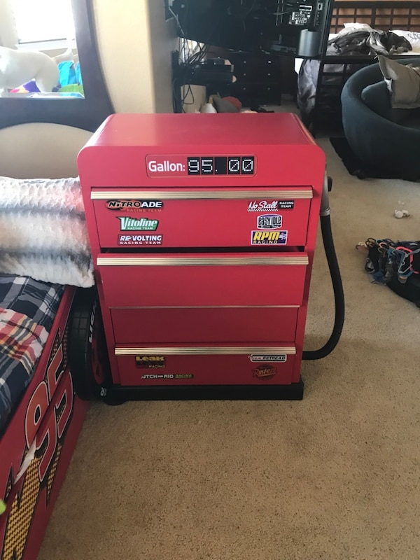 Used Lightning Mcqueen Bed And Dresser