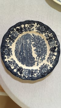 Royal Worcester 10 inch plate West Whiteland, 19380