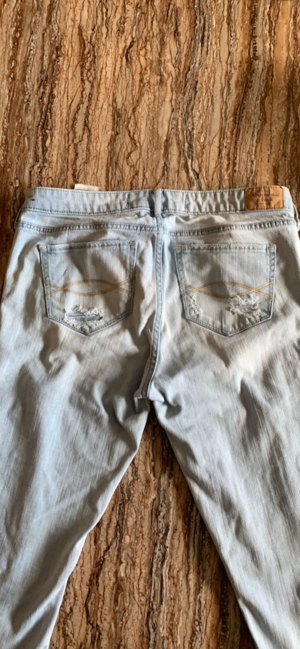 Abercombie & Fitch jeans size 8 4