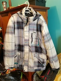 white, gray, and black plaid zip-up windbreaker ja Montreal, H1X 2G7
