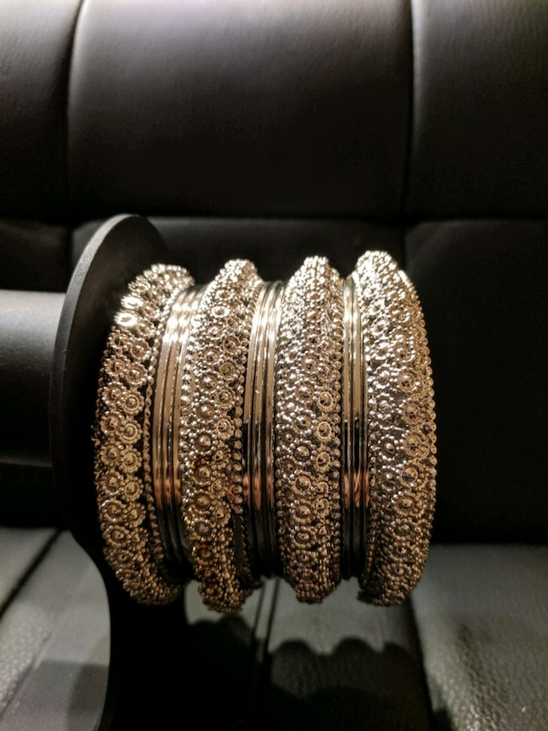 bangle set 63344aca-053a-45dc-9c5b-12988263da91
