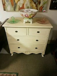 white wooden 3-drawer chest Metairie, 70002