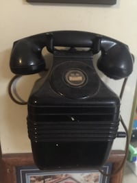 Vintage 1940s beehive wall phone Leich Elec. Co.