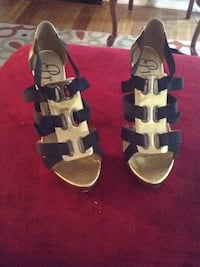 Gold and black strappy heels Woodbridge, 22192