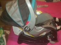 BabyTrend Boy carseat and base Springfield