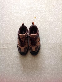 pair of brown-and-grey sneakers Edmonton, T5A 3M8