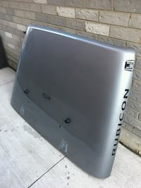 Jeep Hood with Hydraulic opening mechanisms  Oakville, L6M