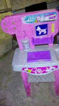 pink and white plastic table toy set Denver, 80229