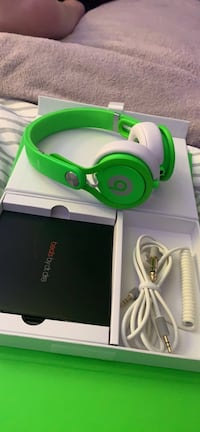 Beats mixers by Dr. Dre Hendersonville, 37075