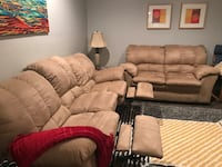 Reclining sofa and love seat set  Springfield, 22152