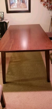 Rectangle dining table in great condition  Irvine, 92603