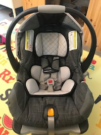 baby's black and gray car seat carrier Lexington, 02420