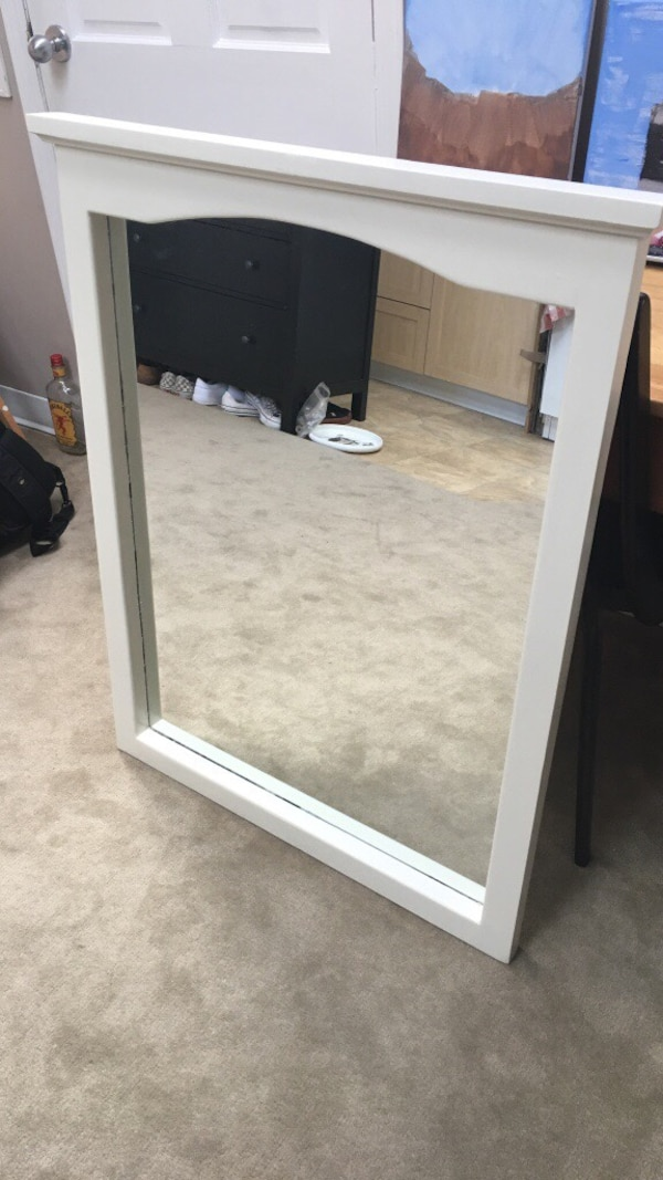 Used rectangular white wooden framed mirror for sale in Victoria - letgo