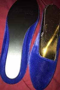 Mules: oomphies,size 7 never been worn