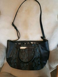 Nine West tote purse Edmonton, T6R 0C6