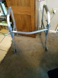Walker with front wheels