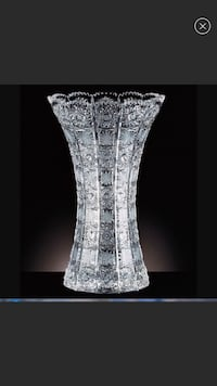 Hand cut crystal vase Rockville, 20850