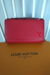 Louis vuitton clutch/crossbody