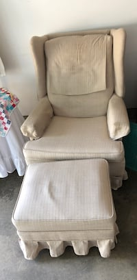 Wingback chair and footstool great condition come get it today  Newark, 43055